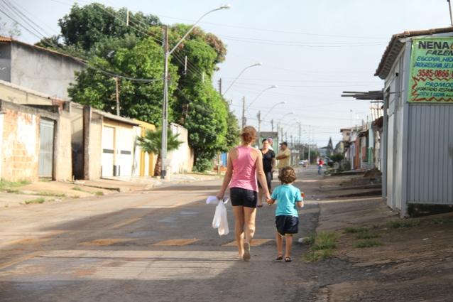 Vista de uma rua da cidade tradicional: Ceilândia