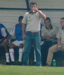 Ricardo Oliveira pede água
