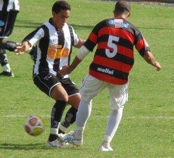 Bruno, marcou um gol e infernizou a defesa do Atlético.