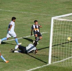Dimba faz o segundo gol na vitória contra o Luziânia