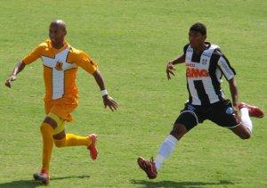 Luiz Carlos corre atrás de Ricardinho