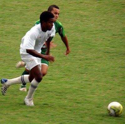 Jorginho Paulista: enquanto teve fôlego, fez uma boa partida.