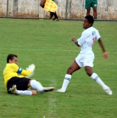 Troca de passes: pela primeira vez no campeonato, uma chance de gol a partir da troca de passes.
