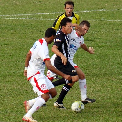 Dimba: merecia ter marcado um gol