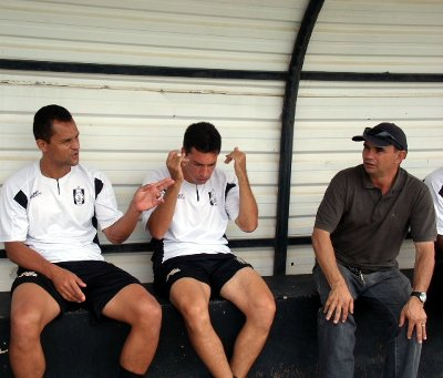 Cassius, Dimba e Almir: muita conversa para vencer os obstáculos