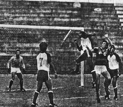 Ceilândia x Tiradentes em 1982: Wilmar Gato era o goleiro e Eurípedes Bueno o treinador.