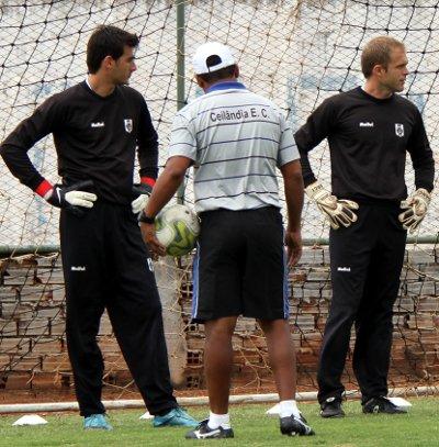 Pedro, Darci e Junior: Goleiros bem preparados.