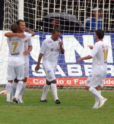 Cassius comemora seu gol na vitória sobre o Dom Pedro em 2010: 2 x 0