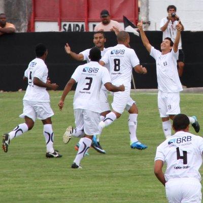 Rogerinho comemora: CEC tropeçou em casa