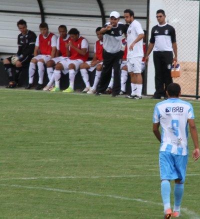 Ricardo Oliveira acerta o posicionamento de Gustavo: sem tempo para surtir efeito