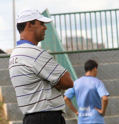 Divino Ferreira: profissional experiente