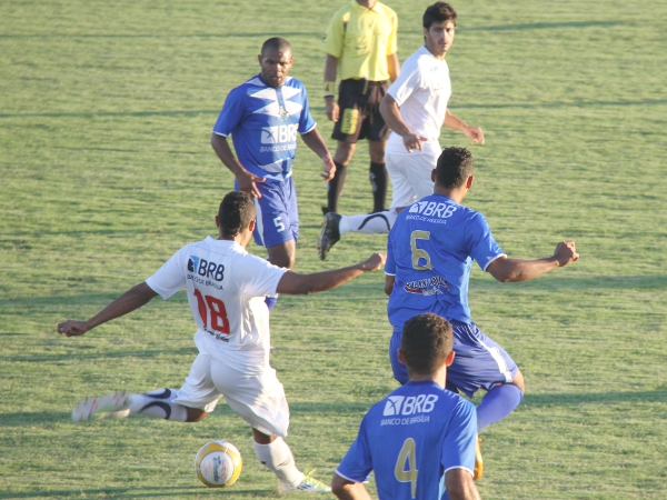 Marquinhos e Luiz Fernando são os substitutos naturais para Dimba e Allan Dellon