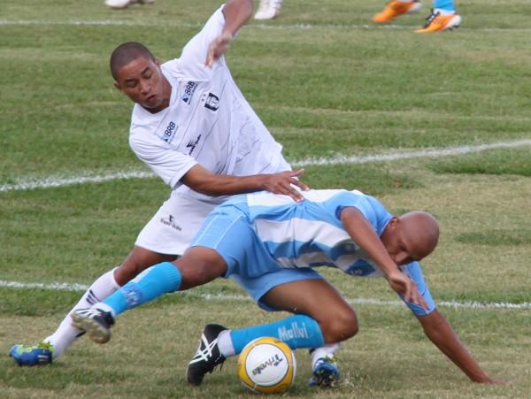 Oliveira atuou improvisado na defesa, boa atuação
