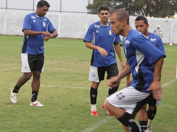 Nelisson, Allan, Niedson e Perivaldo: reforços em ação