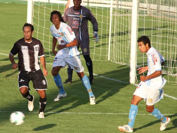 Zé Carlos: um gols nos últimos jogos, mas poucas conclusões