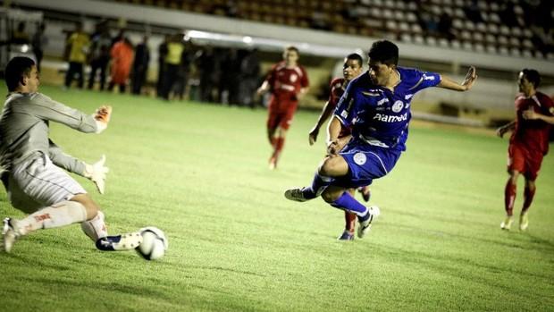 André Tavares faz gol na decisão da Taça Governador