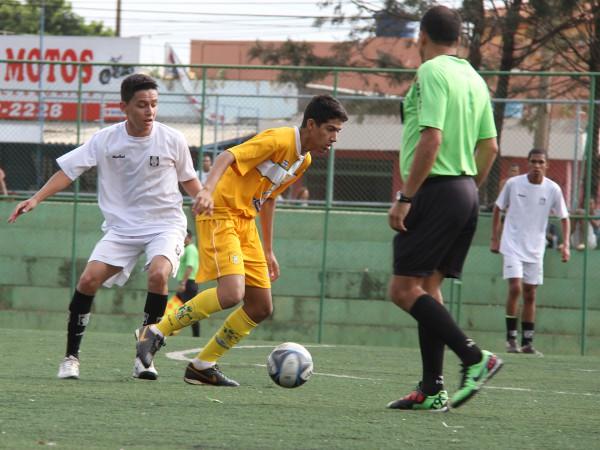 Juvenil: jogo equilibrado. Ceilândia 2 x 0 Brasiliense