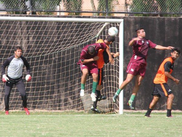Defesa foi alvo de críticas pelos dois gols sofridos