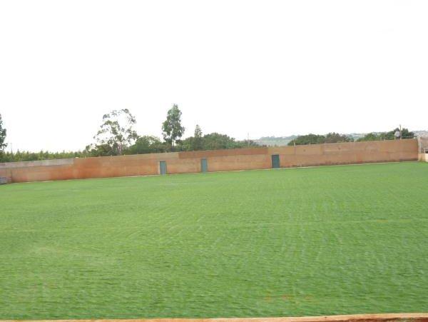 Campo pronto para receber as traves: Cidade do Gato já conta com dois campos com medidas oficiais e grama bermuda