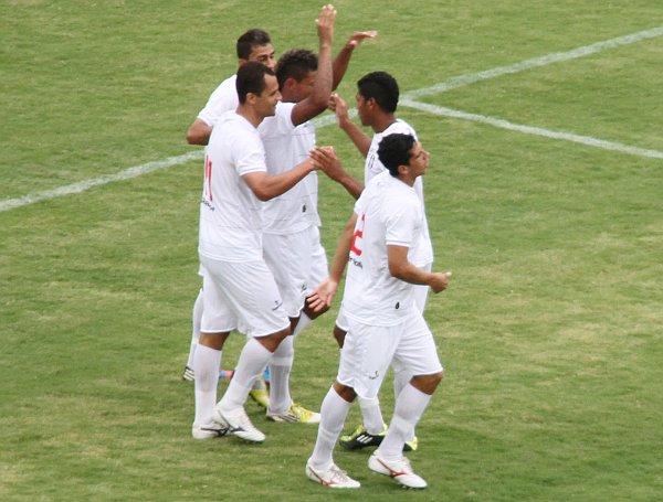 Cassius comemora o seu gol: vitória importante