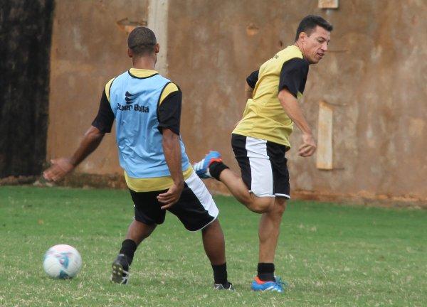 Rotina de treinos: Dimba estará a 100 por cento