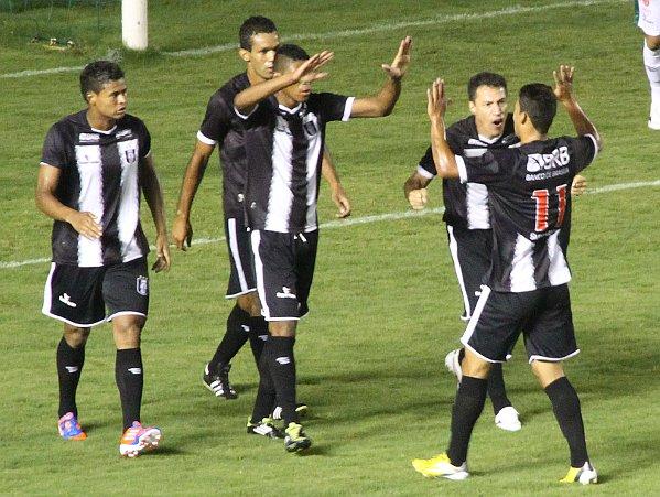 Badhuga comemora: o último gol havia sido contra o Gama em 2010