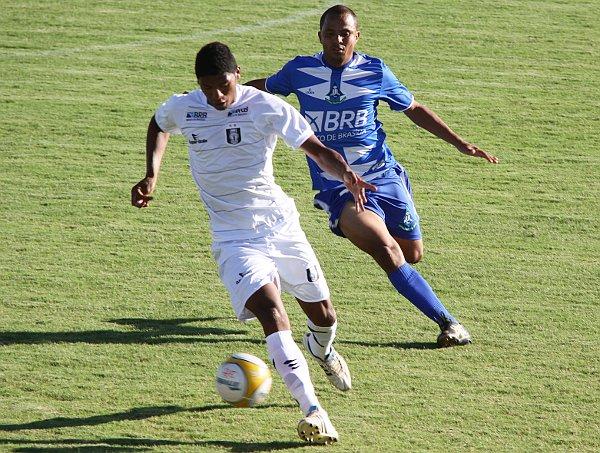 Badhuga é um dos destaques do time: defesa não pode falhar