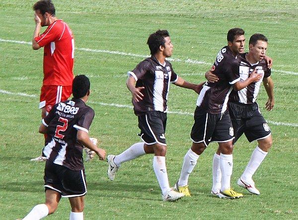 Dimba comemora: enfim o CEC vence