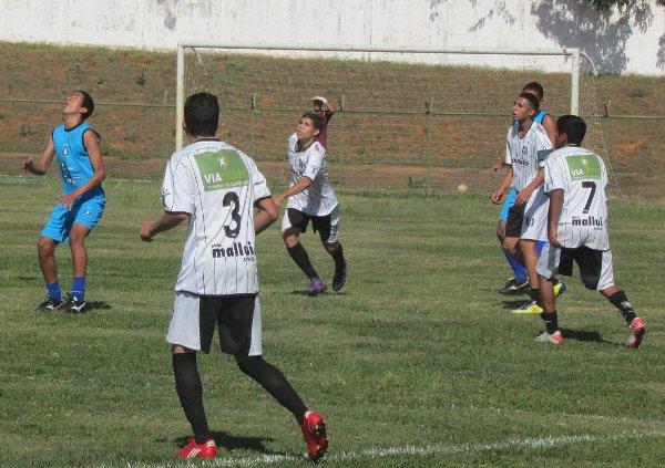 CEC renova o time para o Metropolitano