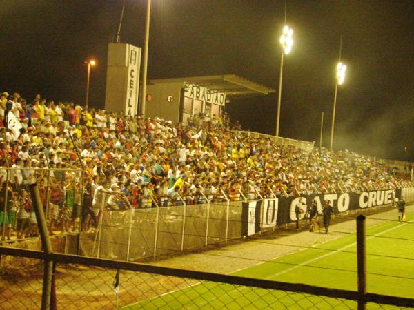 Estádio Regional Lotado: de um tempo em que a torcida prestigiava. Está mais que na hora de saber o que aconteceu