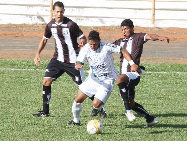 Em abril de 2012, último jogo entre Ceilândia e Formosa: Badhuga em ação
