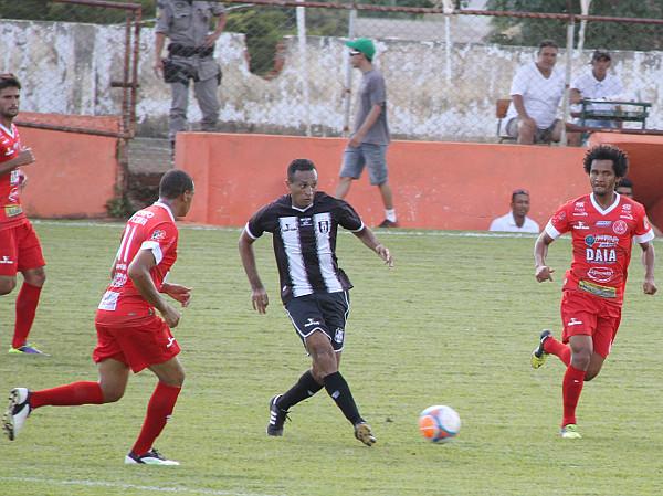 Adriano Felício: ainda sem ritmo, mas mostrando que pode ser útil
