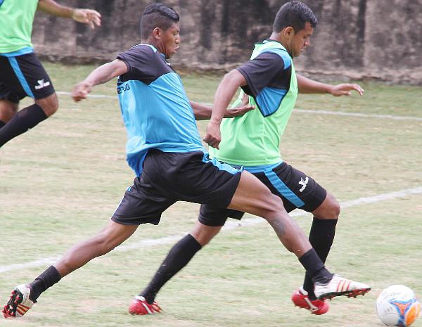 Badhuga tem melhorado, masnão tem mostrado o mesmo futebol que o transformou no melhor zagueiro do DF
