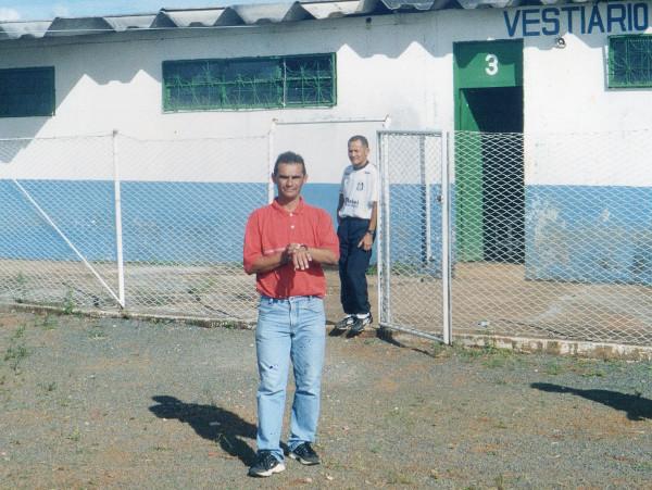 Adelson de Almeida ainda era um menino em 2002, mas montou um time fortíssimo