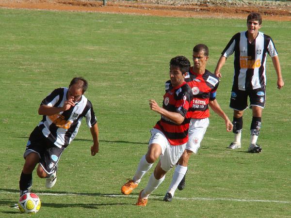 Rodrigo Mello incendiou o jogo na vitória do Gato Preto em 2010: 3 x 1