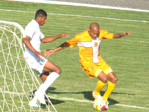 1o de Maio de 2010 - Badhuga foi imprescindível na final