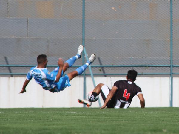 A força de Renato Oliveira tem sido muito útil. Defesa está se acertando