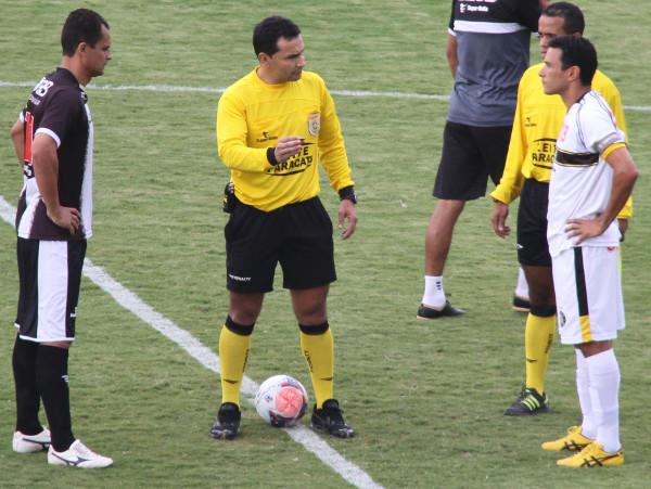 Em 2014, com direito a mando no Bezerrão, foram dois empates