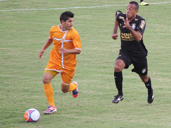 Adriano Felício jogou bem, manteve o time equilibrado, mas não é Allan Dellon
