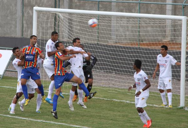 CEC volta a enfrentar Paracatu com time totalmente mudado. Badhuga permanece