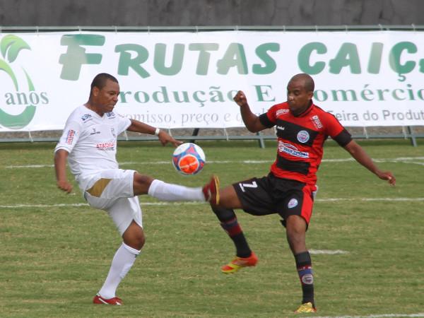 Com Allan Delon: Em 2014, Gato  venceu por 3 x 0