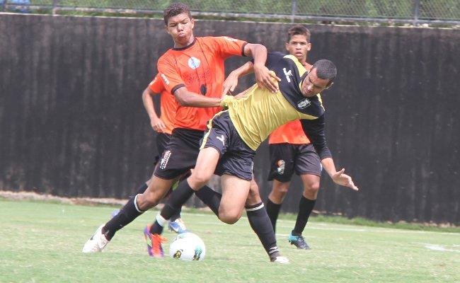 Confronto assimétrico em 2012: profissionais do CEC contra Juniores do Cruzeiro. Entre profissionais, será o primeiro confronto