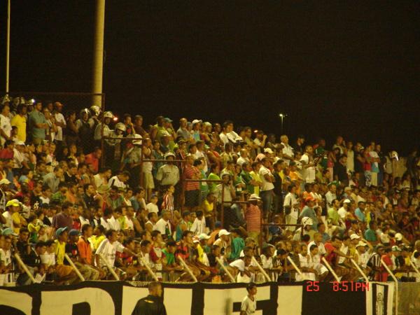 Estádio lotado para ver Ceilândia e Gama em 2007