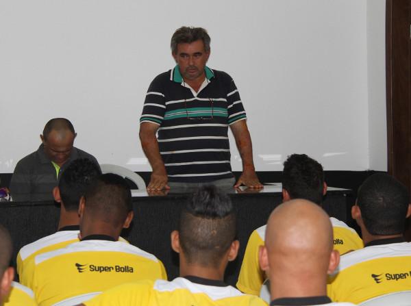 Beni na apresentação em 2016: críticas profundas ao futebol do DF