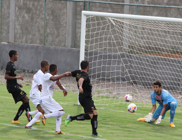 Apesar das boas chances, nos últimos dois jogos o Gato não conseguiu vencer a retranca do Sobradinho... gols, só no Augustinho Lima