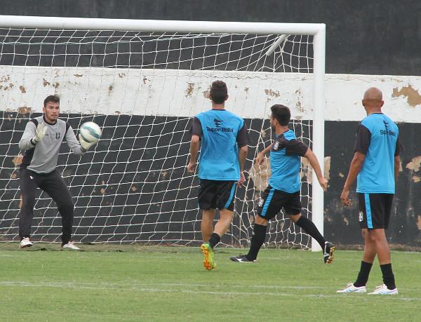 CEC treinou forte: time ainda sofre questionamentos