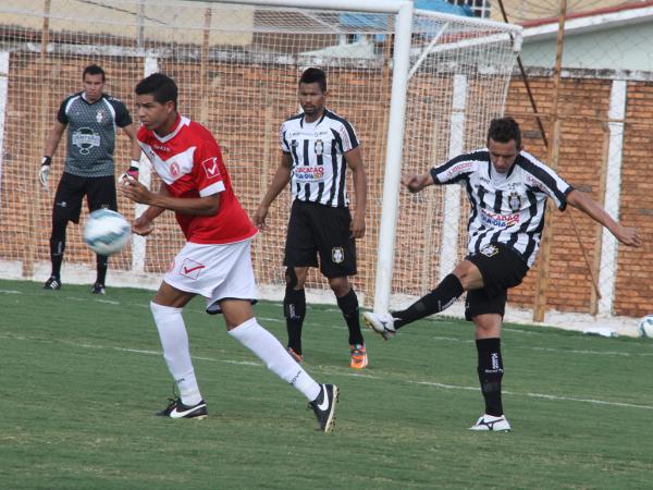 Kabrine enfim mostrou um futebol consistente defensiva e ofensivamente