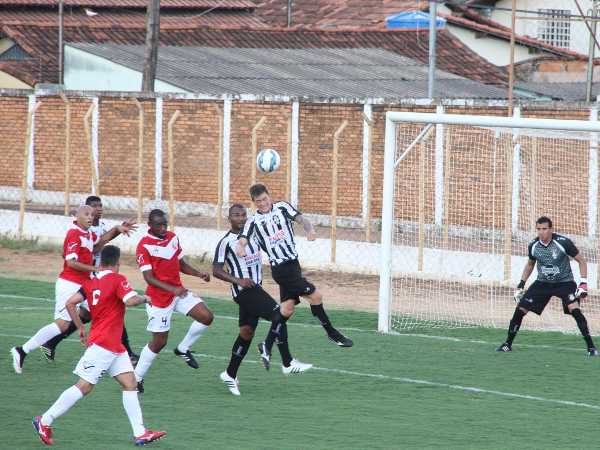 Bola parada do Brasília preocupa: adversário é um time muito competitivo