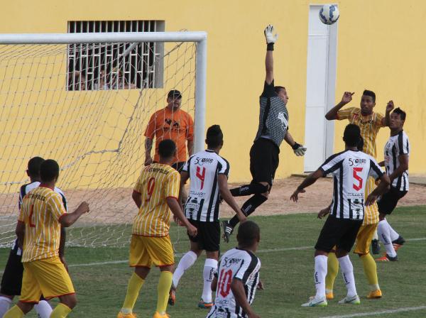 Léo não alcançou, Clécio também e o Brasiliense fez 1 x 0