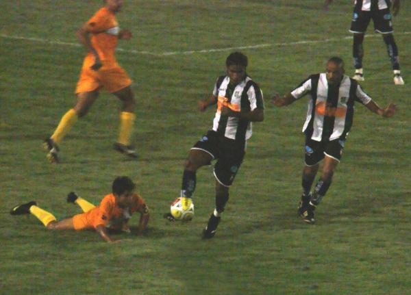 20 de janeiro de 2010: Daniel estreia pelo Ceilândia contra o Brasiliense